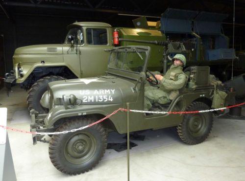 Amerikanischer Soldat im Jeep